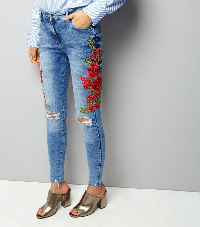 parisian-blue-floral-embroidered-side-skinny-jeans